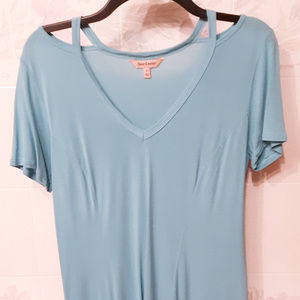 Juicy Couture V neck turquoise top